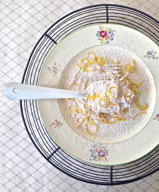 Lemon-scented flour II