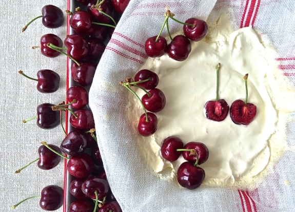 Cherries and mascarpone