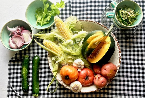 minestrone-veg-on-black-check